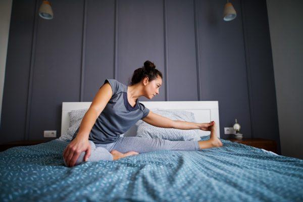 ท่าโยคะก่อนนอน ที่ทำง่าย ช่วยให้หลับสบาย